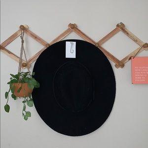 Forever 21 black felt hat